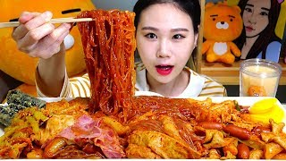 [Eng Sub] Yupdduk New Tteokbokki Menu! Less Spicy with Glass Noodle / Bacon Mukbang Eating Show
