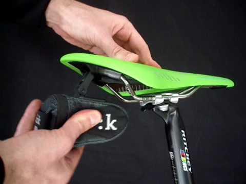 Fi/'zi:k Saddle Pa:k ICS Clip Small
