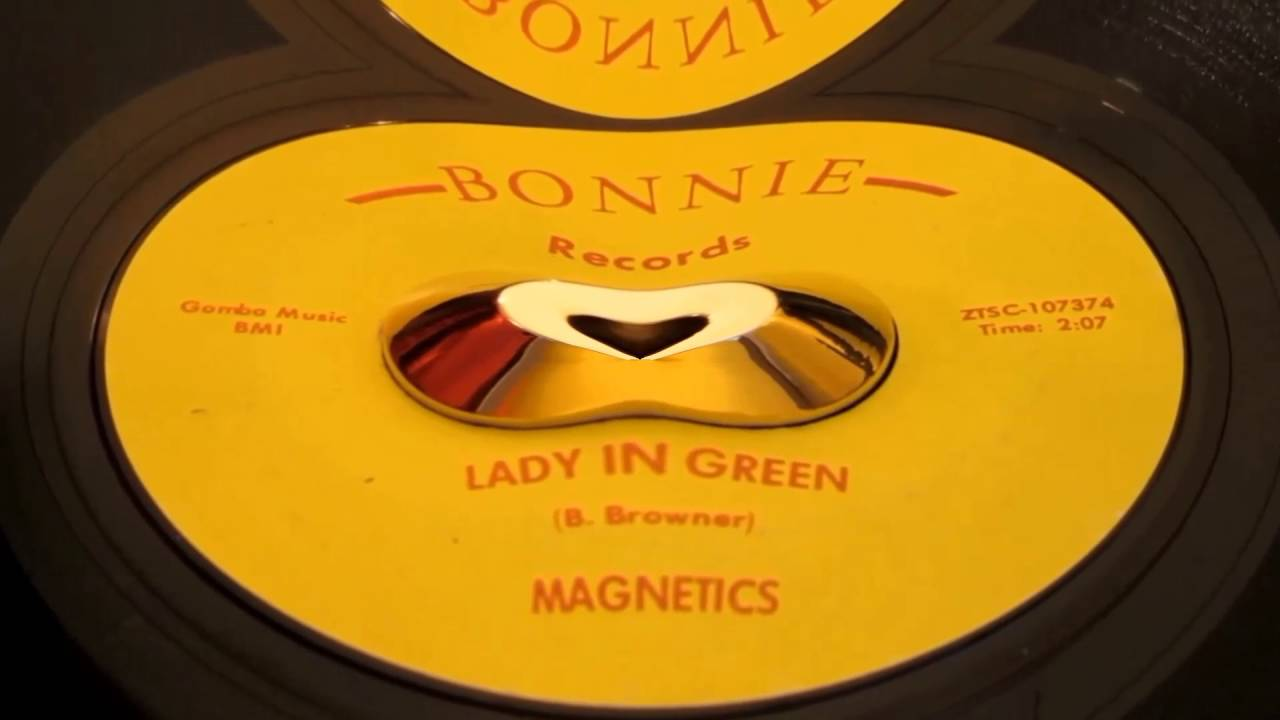 The magnetics lady in green
