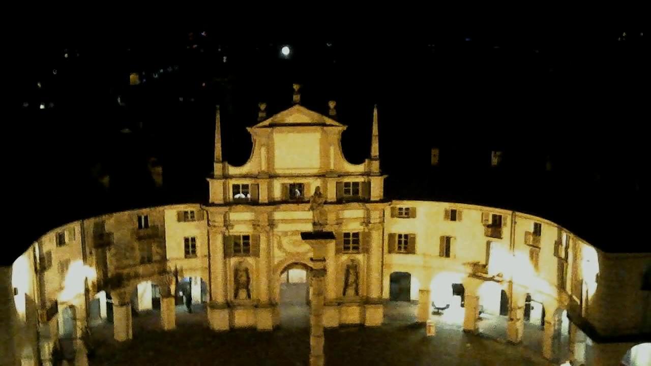Venaria Reale by night da un drone