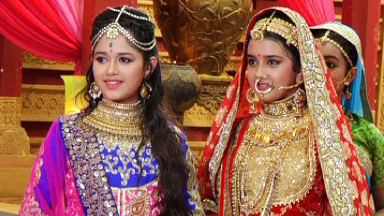 phool kanwar tensed as well as nervous for ajabde s wedding   youtube