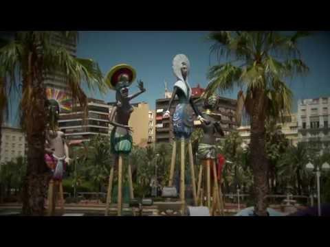Travel Guide Alicante, Spain - Hogueras (Bonfires) in Alicante. Main Fiestas in the city
