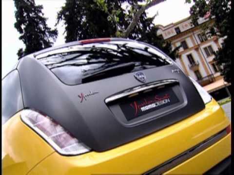 Lancia Ypsilon Sport Momo Design - YouTube