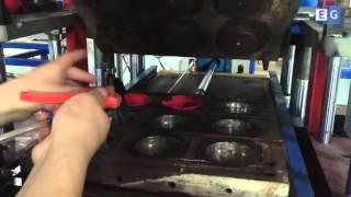 Станок для производства силиконовых браслетов(Предлагаем вашему вниманию видео работы пресса для производства силиконовых браслетов. С полным описанием..., 2016-03-29T00:40:54.000Z)
