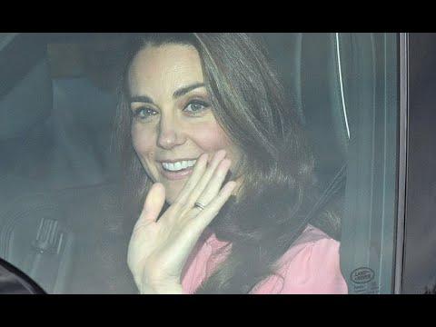 Duchess Kate wows Christmas shoppers with appearance at discount store The Range-Royal News