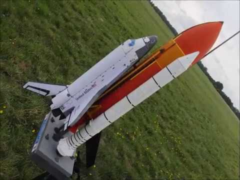 Space Shuttle Scale model RC - Flight at Manching 2017 ...
