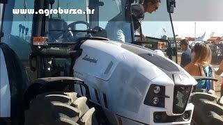 Utrka žena za volanom traktora !