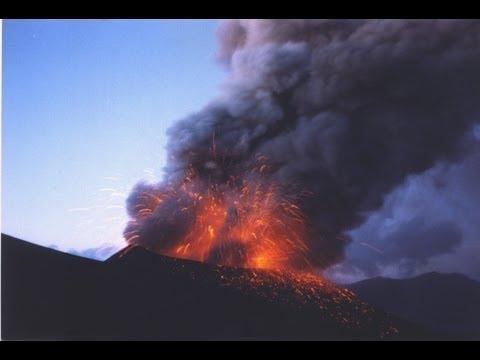 Impresionante video de la erupción nocturna del Calbuco