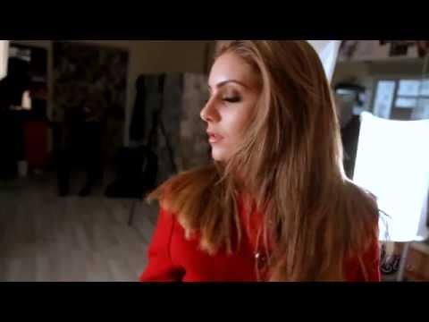 Кашемировое красное пальто до колен с отделкой