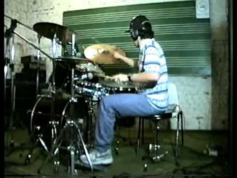 Paulo Jiraya tocando Bateria em 1995