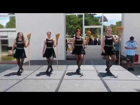 irish-treble-danza-irlandesa-brujas