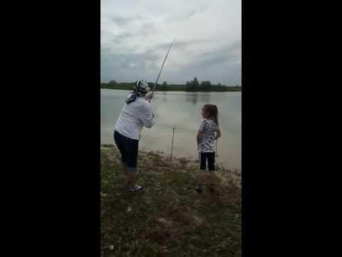 Рыбалка на ТЭЦ-2 Алматы 16.05.2016 - YouTube