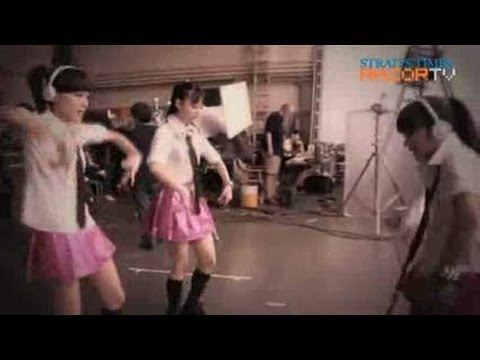 Rivalry among 61 girls? (AKB48 Concept Store Part 3)