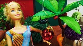 Новый год на море: Кевин и Барби наряжают пальму!