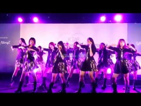JKT48 - Part 1 mini concert @. HS Suzukake Nanchara