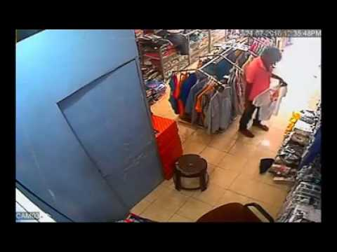 Cloths Thief Caught In CCTV Camera