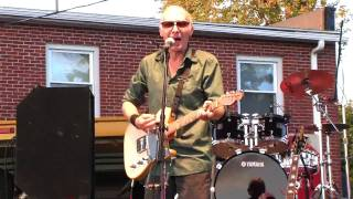 "Graham Parker Live ""Get Started Start A Fire"" In HD"