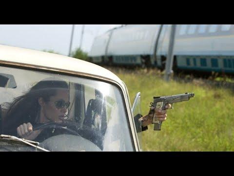Download Wanted (2008) | Train Fight Scene | Angelina Jolie | e-Talkies