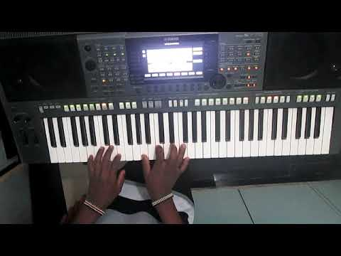 electro-house-music-on-piano