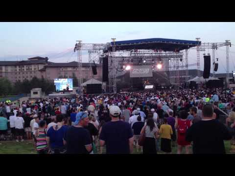 DJ z-trip opening for ll cool j