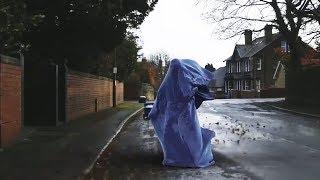 Er ließ Gespenster mitten in der Stadt tanzen - Unfassbar!
