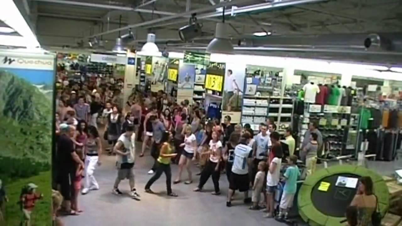 f08a7c2e0 flash mob Decathlon Bailleul France - YouTube