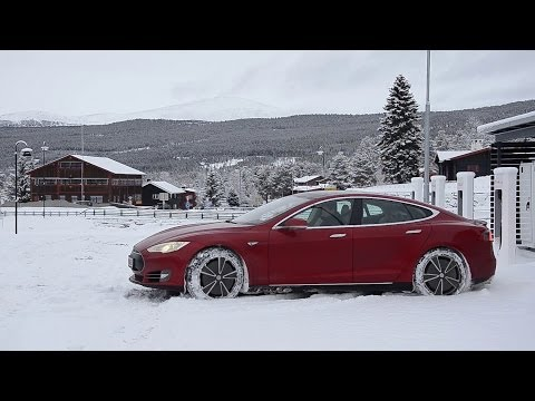 Thumbnail: Tesla Model S Customer Stories - Winter Driving in Norway
