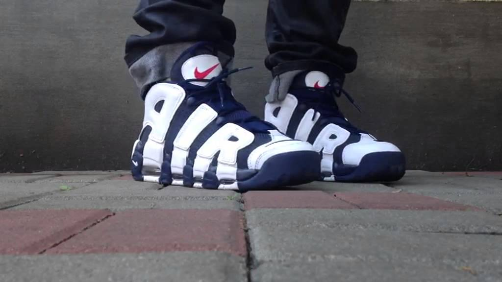 0738b138e0 ... Nike Air More Uptempo (na nogach,on feet) - YouTube ...
