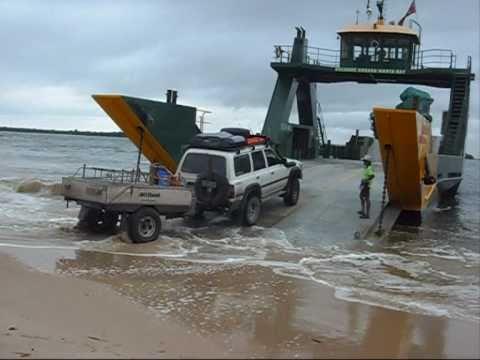Fraser Island Australia in 4x4 80 series Toyota Land Cruiser