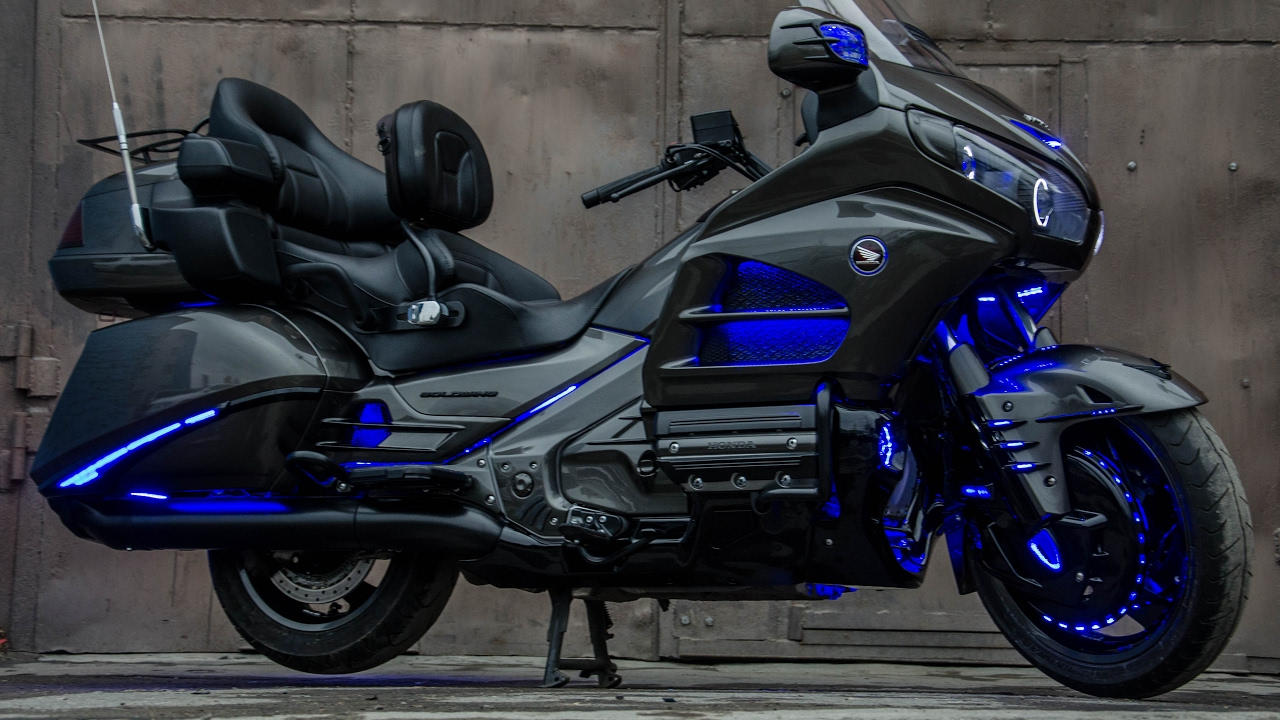 Honda Gold Wing Angel EYES, blue LED lights, sound system ...