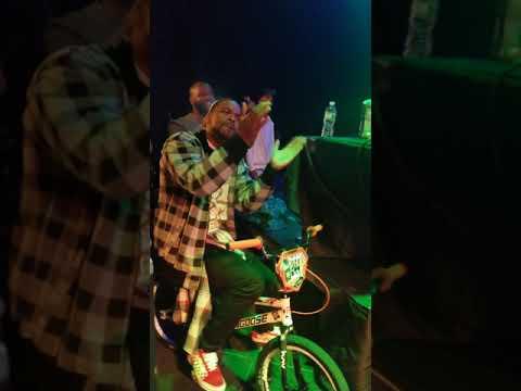 Method Man on my  Factory LRC 2019 Mongoose Title Elite