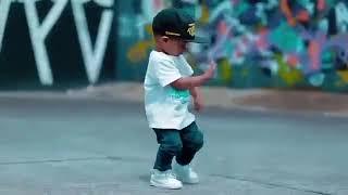 Very funny Baby dance