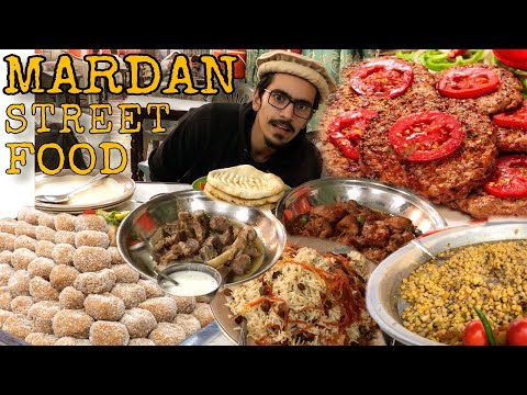 MOST DELICIOUS CHAPLI KABAB & WHITE MEAT MUTTON, RED CHICKEN - PAKISTANI STREET FOOD IN MARDAN