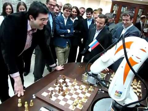 Phanmemmoi.net-Robot Chơi Cờ đọ Sức Với Cờ Thủ Vladimir Kramnik.flv