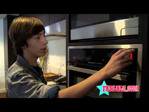 "At Home with ""No Ordinary Family"" Star, Jimmy Bennett"