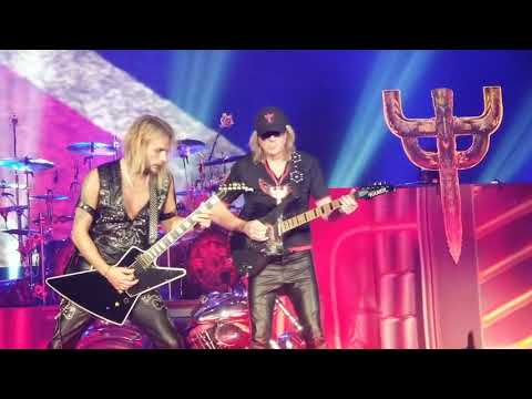 Judas Priest - Breakin' The Law (with Glenn Tipton)- 04-15-2018, ShoWare Center, Kent, WA