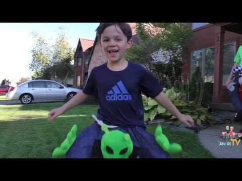 Spooky Halloween Costumes | Costume Show | MorphSuits | Digital Dudz | DavidsTV