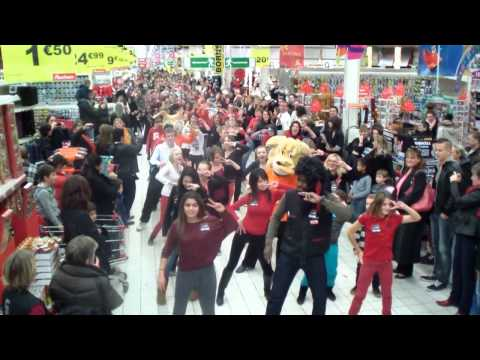 flash mob auchan beauvais