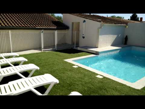 trois hbergements avec piscine