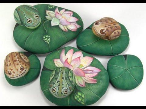 Cмотреть видео Украшение для любимого сада   Рисунки  на камнях