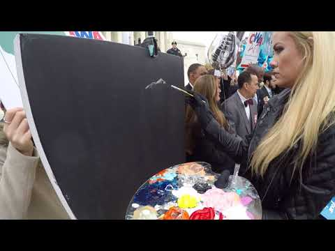 Speed Painter - Jessica Haas on the Supreme Court Steps