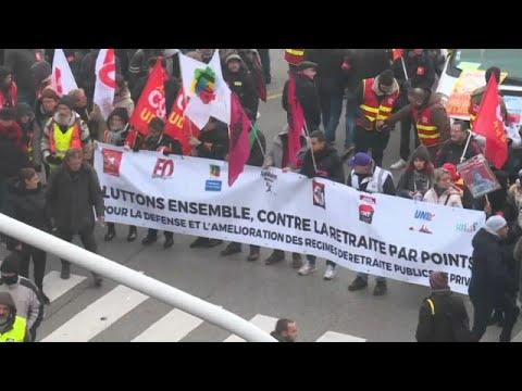 euronews (en español): La reforma del sistema de pensiones, segunda gran crisis para Macron