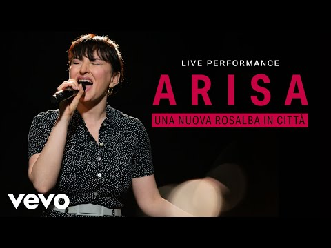 Смотреть клип Arisa - Una Nuova Rosalba In Città