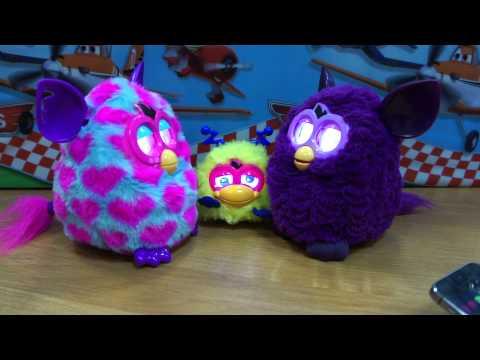 Ферби на русском - Furby разговаривают друг с другом, танцуют - Видео Ферби Бум