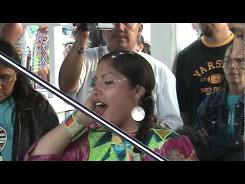 Womens backup singing contest Rosbud Casino Powwow 2006