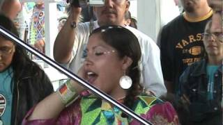 Womens backup singing contest (Rosbud Casino Powwow 2006)