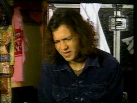 Eddie Vedder Interview - 1994 - YouTube