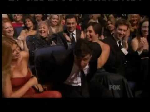 Emmy Awards 2011  Kyle Chandler Wins