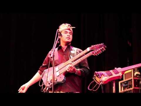 Balawan & the Batuan Ethnic Fusion - Introduction to his music (Live at BOZAR)