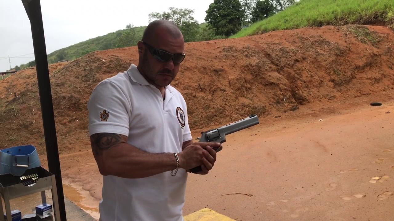 Testando Revólver Taurus Raging Bull Calibre 44 Magnum Youtube